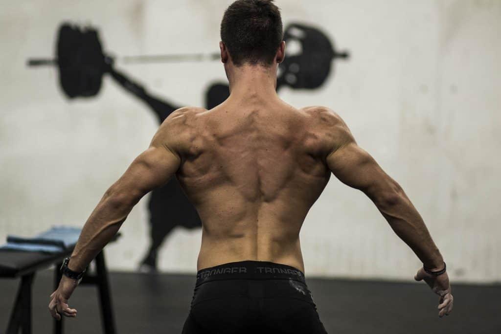 natural bodybuilding posa muscoli dorsali