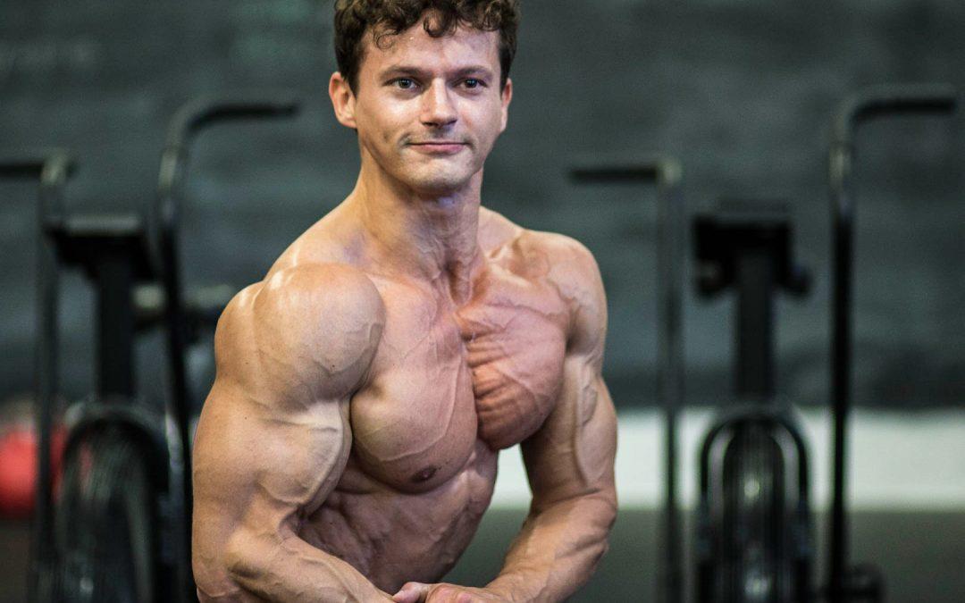 ipertrofia, l'aumento della massa muscolare, spesso ottenuto grazie ad un allenamento specifico