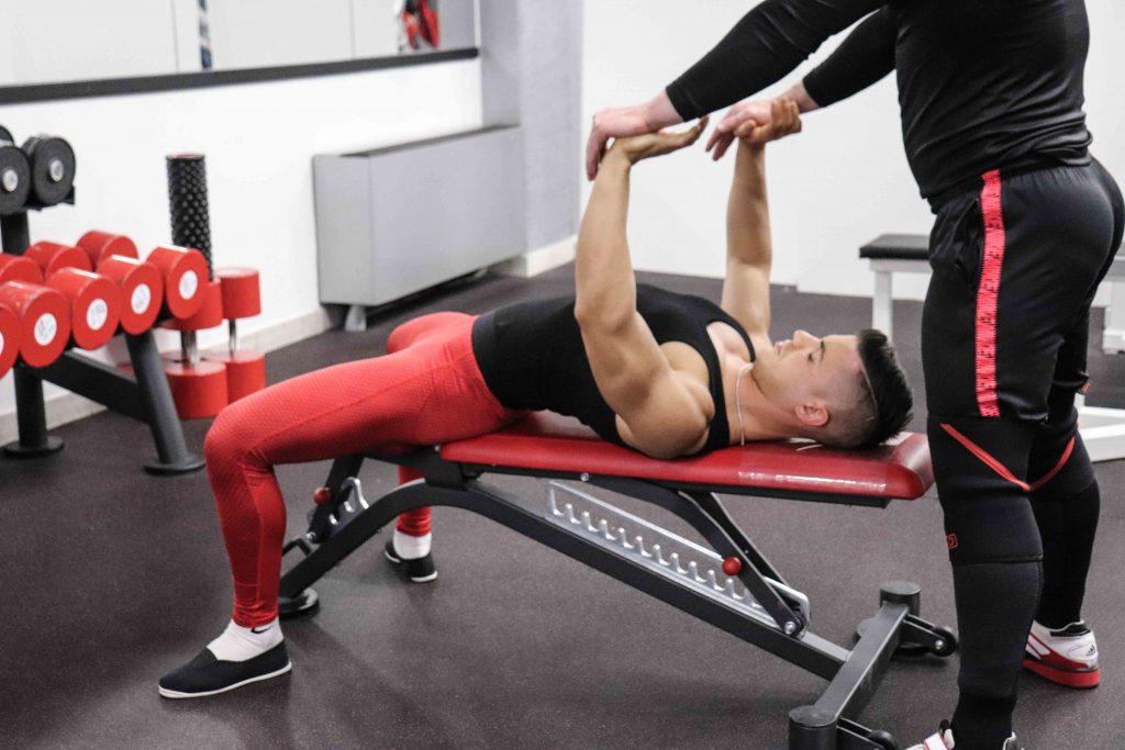 esercizi pettorali: set up e pressione manuale
